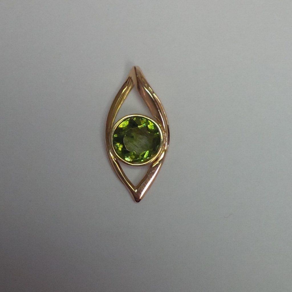 Création Pendentif Or Jaune Tourmaline Verte les bijoux de mel artisan bijoutier joaillier sur mesure
