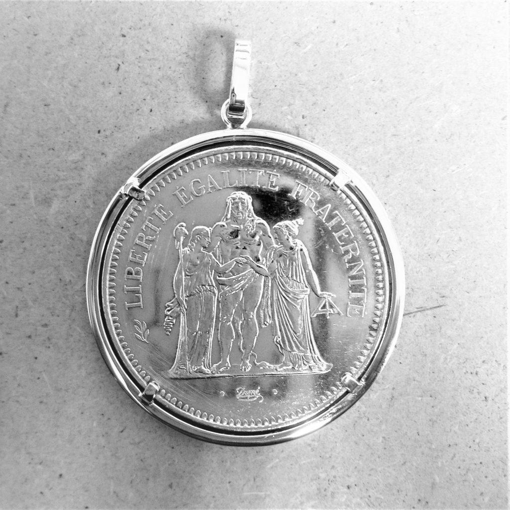 Pendentif porte pièce argent les bijoux de mel artisan bijoutier joaillier création sur mesure