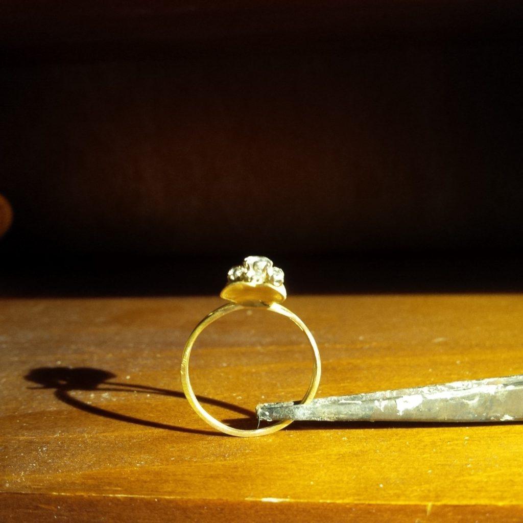 Bague or jaune diamant les bijoux de mel artisan bijoutier joaillier réparation