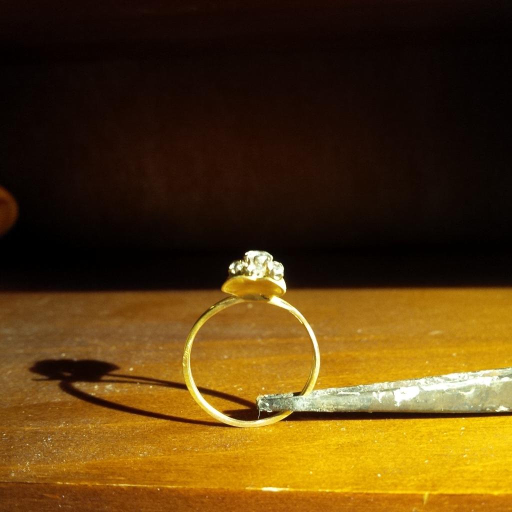 Restauration Transformation Bague Or Jaune Diamant Les Bijoux de Mel artisan bijoutier joaillier sur mesure atelier bidart
